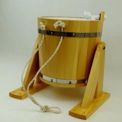 Обливное устройство (с пластиковой вставкой) под лак, 20 литров, кедр.